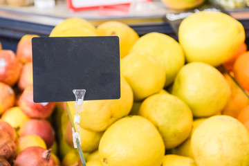 fruit and empty price tag
