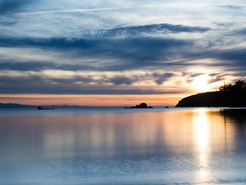 Sunset in Bowman Bay, Deception Pass state park - WA, USA