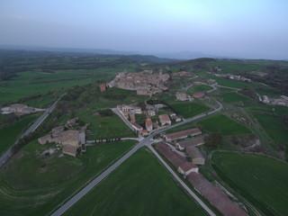 Aguiló, pueblo perteneciente al municipio español de Santa Coloma de Queralt, provincia de Tarragona, Cataluña (España) Fotografia aerea con Dron