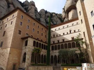 Monasterio de Montserrat, montaña y abadia cercana a Barcelona en Cataluña (España)