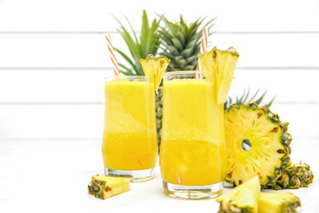 Pineapple juice smoothies in the glasses