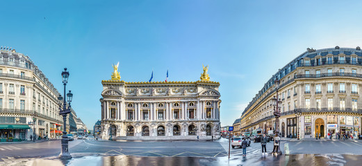 Türaufkleber Historische denkmal Paris, France - circa May, 2017: Panoramic view of Palais or Opera Garnier & The National Academy of Music in Paris, France
