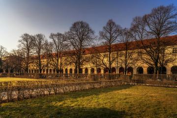 Stimmungsvolle Abenddämmerung in München am Hofgarten