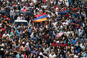 Supporters of Armenian opposition leader Pashinyan stage a rally in Yerevan