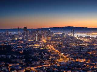 Fotomurales - San Francisco skyline and Bay Bridge at sunset, California