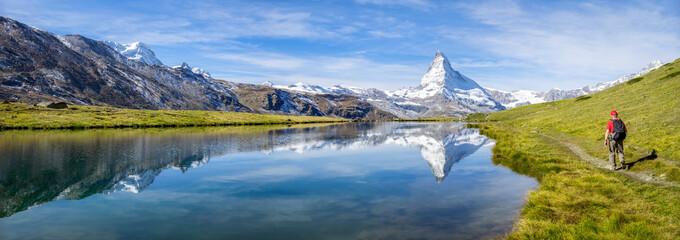Wanderurlaub in der Schweiz am Stellisee, Schweizer Alpen, Kanton Wallis