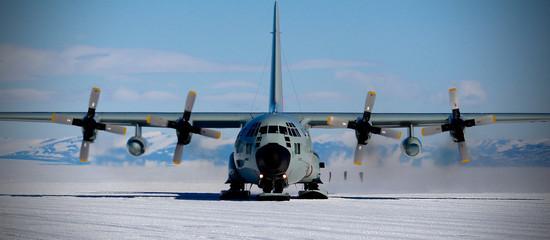 Foto op Textielframe Antarctica Antarctica Skiway, LC-130