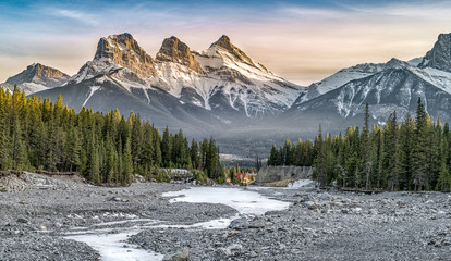 View of Three Sisters Mountain, well known landmark in Canmore, Canada Fotobehang
