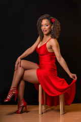 Ballerina cubana con vestito rosso