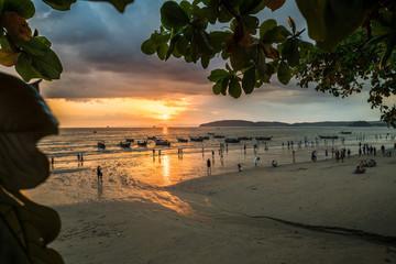 Sonnenuntergang bei Ao Nang, Thailand