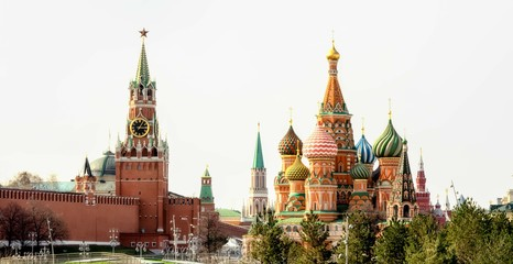 Fototapete - Moscow Kremlin and St Basil's Cathedral on the Red Square in Moscow, Russia, panoramic view.