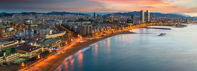 Photo sur Toile Barcelone Barcelona beach on morning sunrise