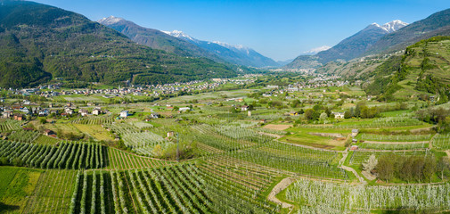 Media Valtellina (IT) - Vista aerea da Ponte in Valtellina verso ovest