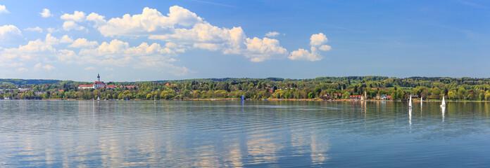 Ammersee Panorama mit Diessen und St. Alban