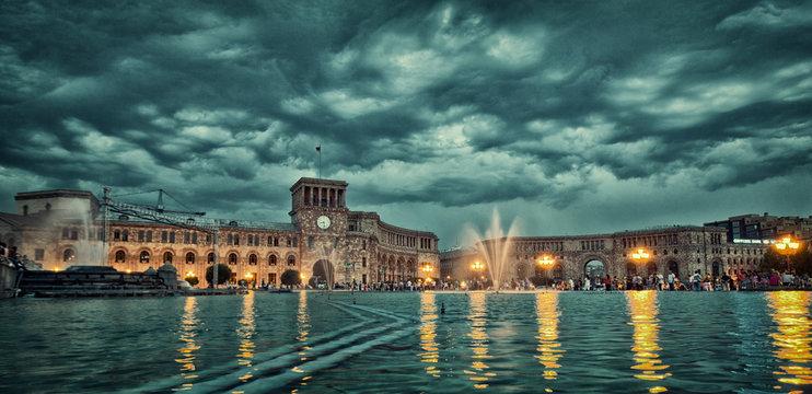 Singing Fountains Yerevan attraction, erevan, fountain, illumination, landmark, light, night, people, performance