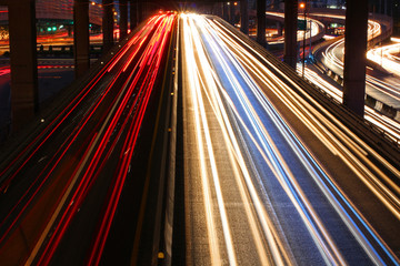 Speed Traffic - light trails on the road at night, long exposure Fotomurales