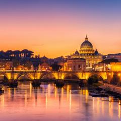 Fond de hotte en verre imprimé Rome Rome, Italy with St Peter Basilica of the Vatican