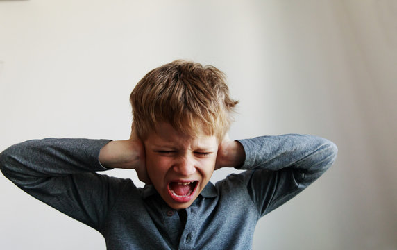 child screaming tired stressed