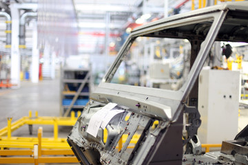 Geländewagen Produktion in der Fabrik