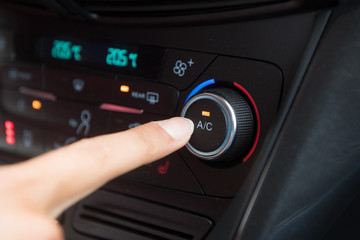 Klimaanlage im PKW an und ausschalten