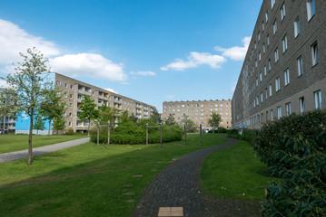 Plattenbau Immobilie mit Innenhof