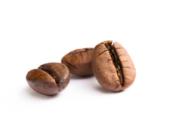 Poster Salle de cafe Brown coffee beans isolated on white background
