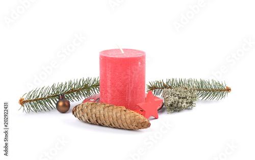 Natürliche Weihnachtsdeko auf weiss\