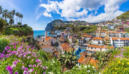 Wall Mural - Cityscape panorama of Camara de Lobos, Madeira island, Portugal