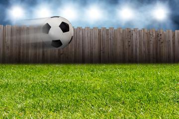 fliegender Fußball
