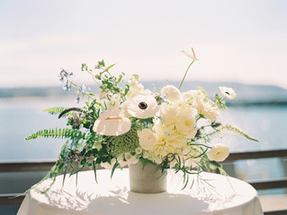 Flowers arranged in a vase on the table
