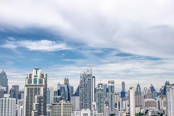 ビル ブルースカイ 青空 雲 美しい オフィス 都会 メトロシティー メガシティー 首都
