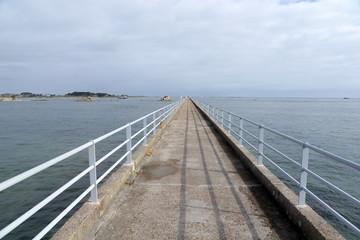Seebrücke bei Roscoff, Bretagne