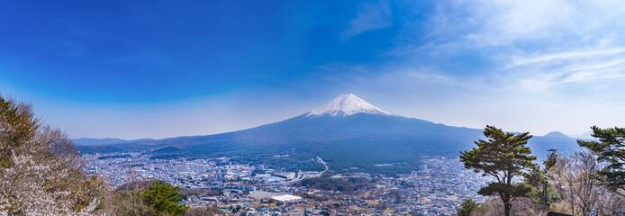 天上山展望台からの富士山のパノラマ眺望