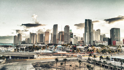 Fototapete - Aerial view of Downtown Miami