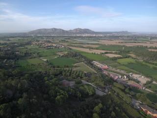 Drone en Torroella de Montgri, pueblo del Ampurdan en Girona, Costa Brava (Cataluña,España). Fotografia aerea con Dron.