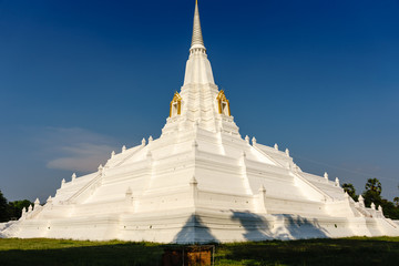 Golden Mountain is one of the beautiful in Ayutthaya.
