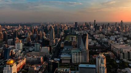 Bangkok bei Sonnenuntergang (Panorama von Aussichtsturm)
