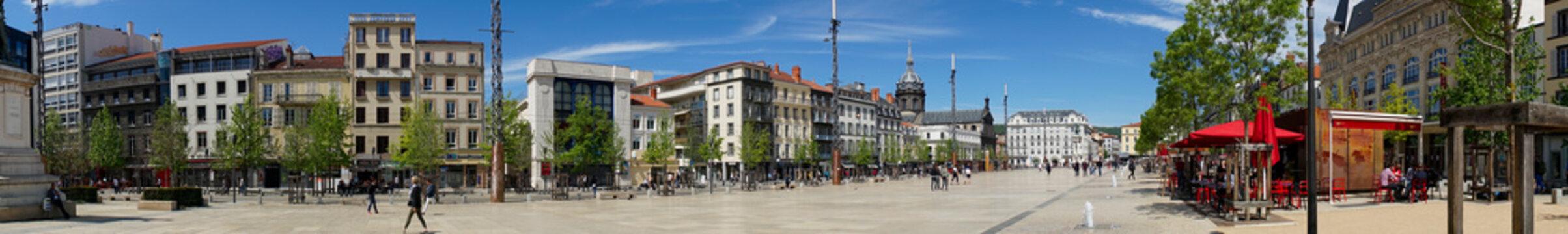 prise de vue panoramique, place de Jaude à Clermont-Ferrand