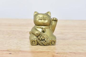 gato maneki neko de la suerte asiático
