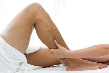 脚のマッサージ