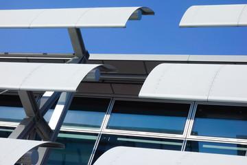 Metallene Dachfenster Verkleidung als Sonnenschutz Metallbauweise
