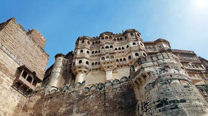 Zelfklevend Fotobehang Vestingwerk Mehrangarh fort at Jodhpur, Rajasthan, India. An UNESCO World heritage.