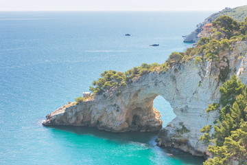 Grotta della Campana Piccola, Apulia - Natural cave arch in the cliffs