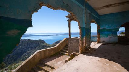 Mallorca - Talaia d'Albercutx - Verlassene Gebäude-Ruine am Cap Formentor