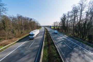 Speditions-LKW auf der Autobahn