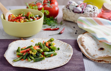 Tortilla or taco making with various fills