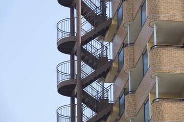 マンション 集合住宅の非常階段