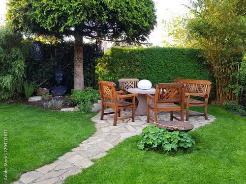 Gemütliche Sitzecke Im Garten Stock Photo And Royalty Free Images