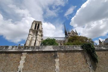 Notre Dame de Paris; sky; cloud; building; historic site