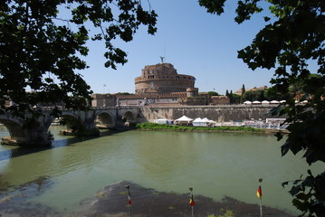 Castel Sant'Angelo; reflection; water; sky; tourist attraction